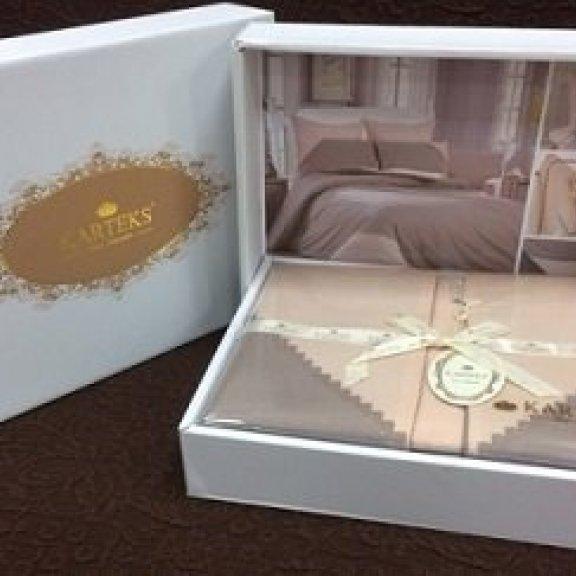 Постельное белье Karteks Перкаль с кружевом - семейное PК-007